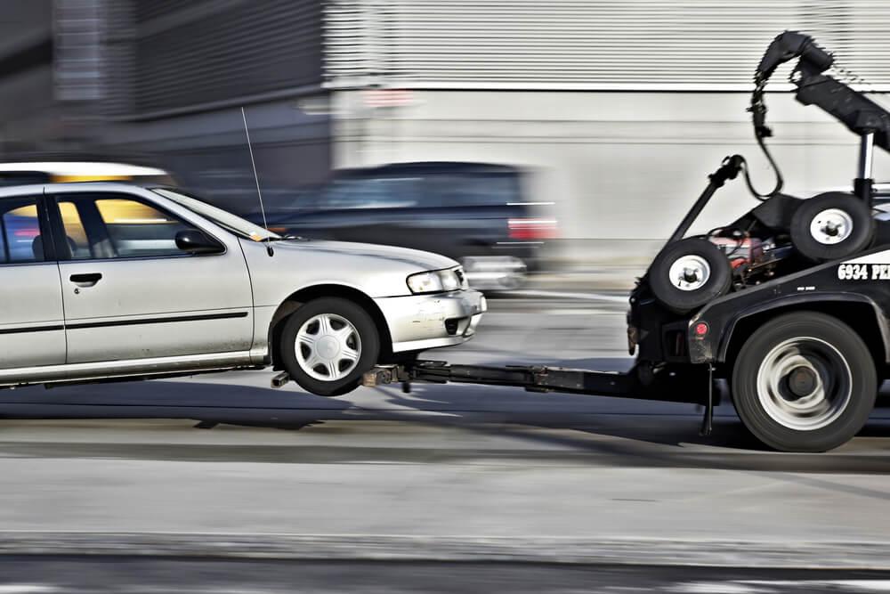 Šlepanje auta bez tablica